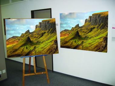 Skye Solvent Premium Satin Canvas 340gsm