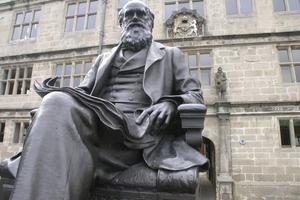 Giants Of Science: Charles Darwin
