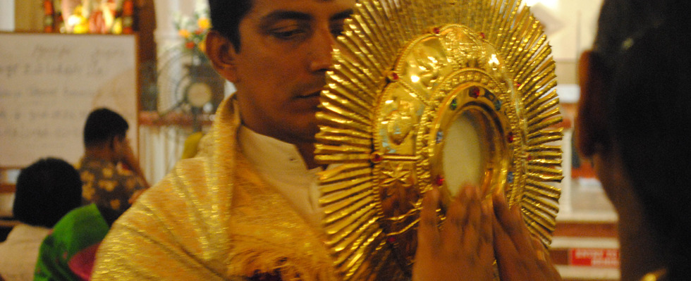Encountering Christ in the Sacraments