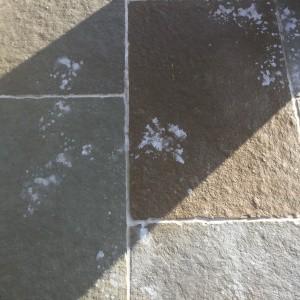 cif-bathroom-spray-on-tumbled-pietra-limestone