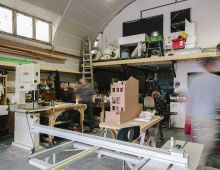 3020_10 Dollshouse in workshop