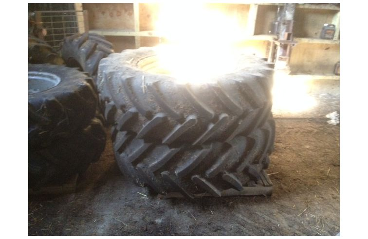 USED Michelin Set of Wheels & Tyres
