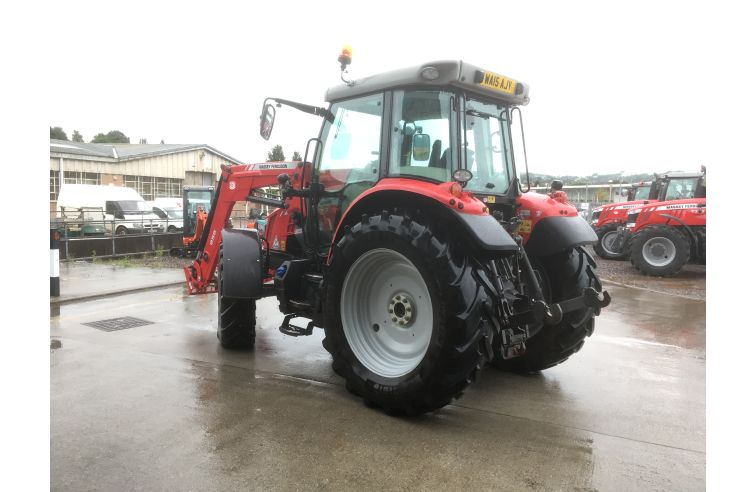 MF 5613 Dyna 4 Efficient Spec & 956 Loader