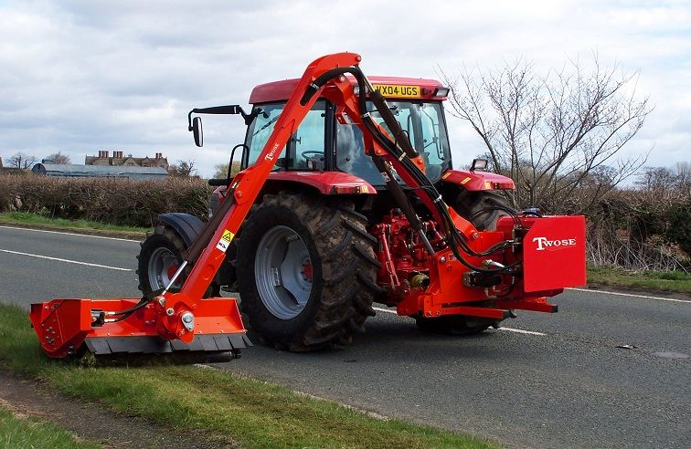 TWOSE HEDGE & VERGE CUTTERS