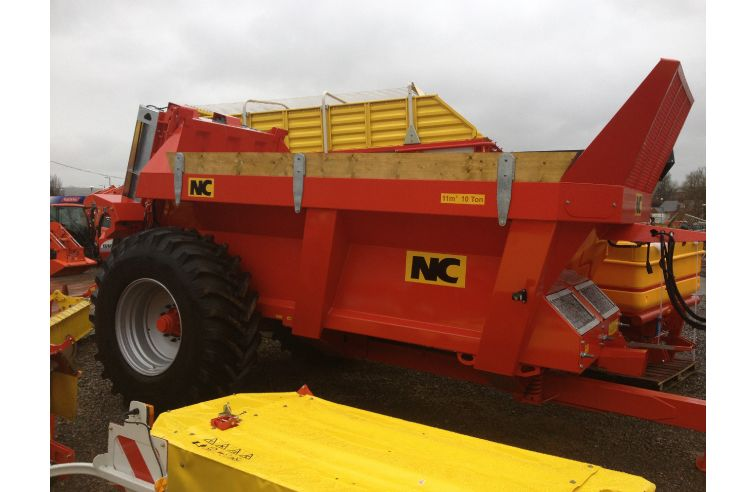 NEW - NC 11 M3 REAR DISCHARGE SPREADER