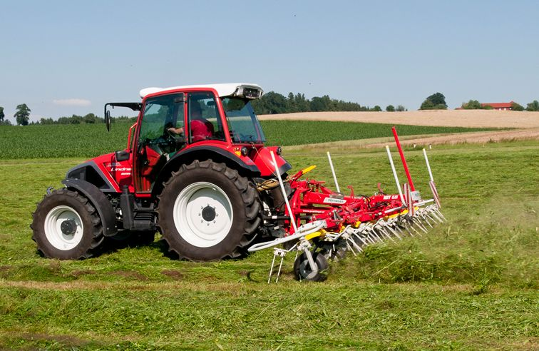 PÖTTINGER HIT 8.81 8-ROTOR TEDDER