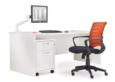 Gm Rectangular Desk With Side Panels With Pedestal
