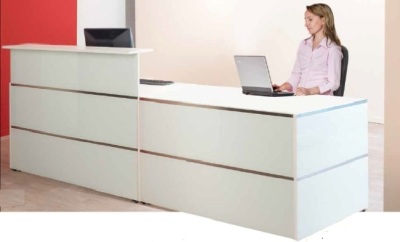 Atlanta Straight Reception Desk With A Glass Front And Desk Height Section