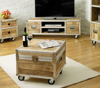 Roadie Coffee Trunk Table 4