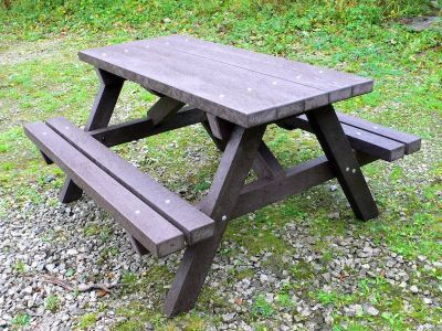 Westpoint Chunky Picnic Table In Nut Brown