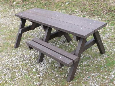 Westpoint Chuinky Picnic Tables With Wheelchair Access 2