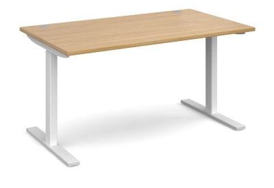 Elev8 Desk With An Oak Top
