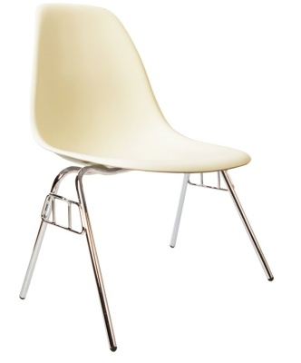 Eames Dss Chair In Vanila Angle View