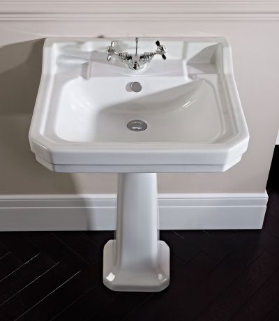 Vitoria 605mm Basin and pedestal