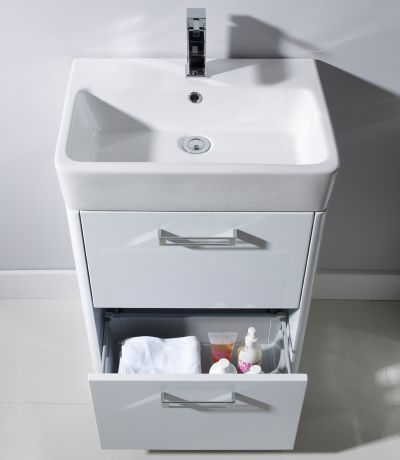 Q60 Freestanding Unit White