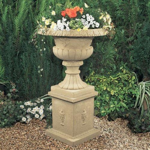 Geneva Urn & Pedestal