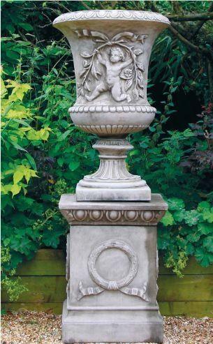 Failand Urn & Plinth