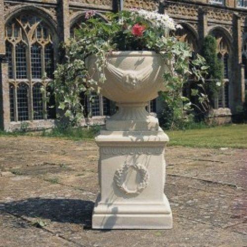 Buckingham Urn & Pedestal