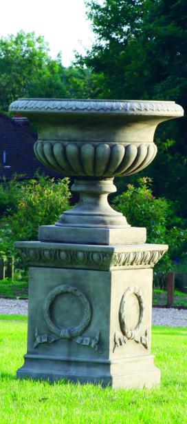Lamberth Urn & Plinth