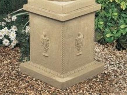 Siena Pedestal