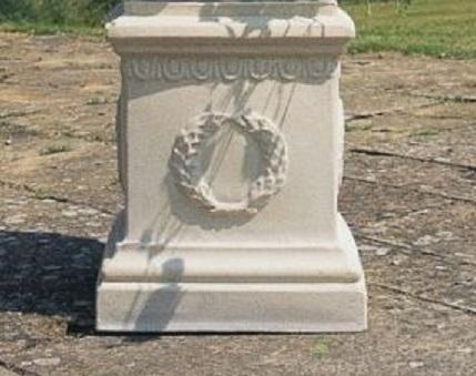 Buckingham Pedestal
