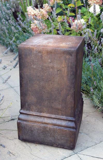 Umber Plinth