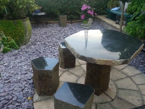 Moray Basalt Table Set