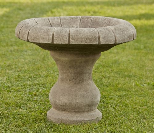 Small Plain Bird Bath