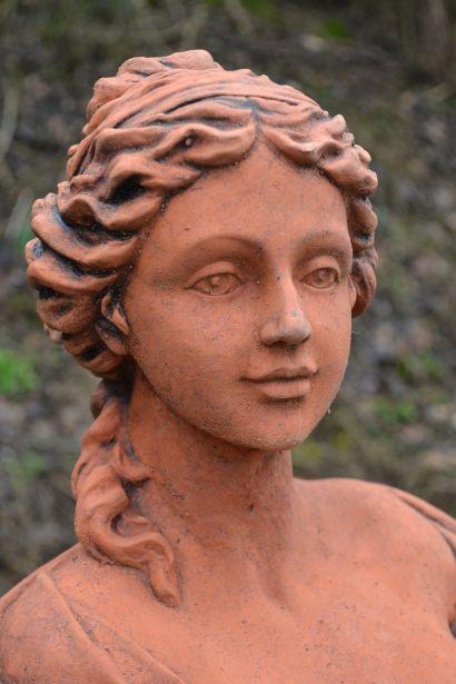 Marie Bust