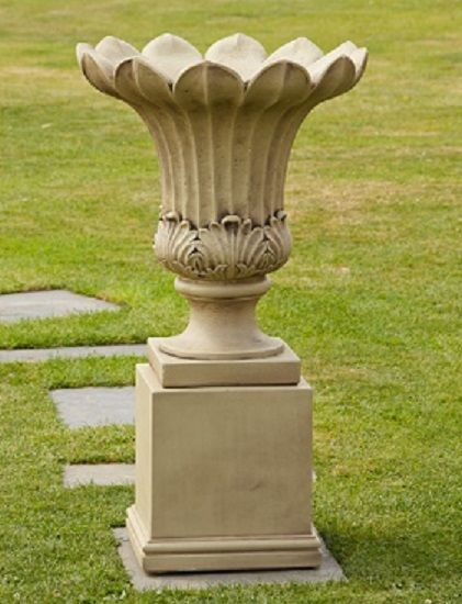 Guinevere Urn & Pedestal