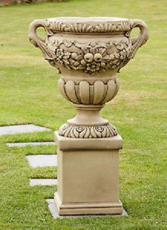 Wainwright Urn & Pedestal