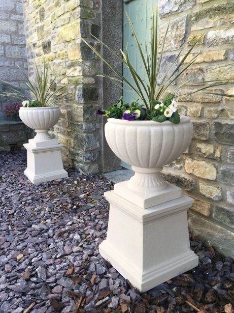 Bordeaux Urns on Plain Pedestals