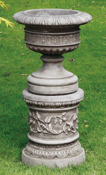 Dundee Urn & Plinth