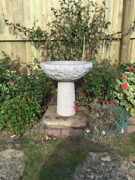 Granite Round Bird Bath