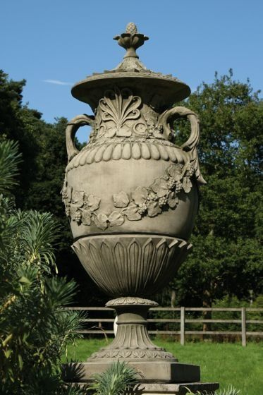 Romsey Urn